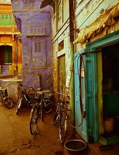 Jodhpur, India... not sure I'd want to go there, but so pretty.