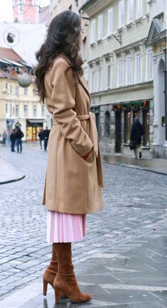 97a9bc9ee8a Fashion Blogger Veronika Lipar of Brunette from Wall Street wearing  fashionable winter outfit