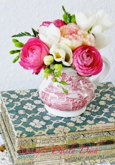 Nancy's Daily Dish: Fresh Flowers and Transferware