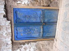 so many blue doors