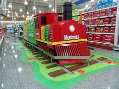 "Ambientación ""Trencito Huggies""   Huggies on Behance Pos Display, Store Displays, Display Design, Store Design, Pos Design, Retail Design, Exhibition Booth Design, Exhibition Stands, Exhibit Design"
