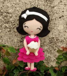 Chaveiro Katy Cupcake em feltro 15 cm