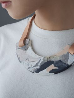 Clay and leather necklace. DIY inspiration.