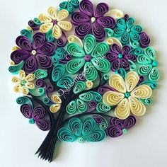 """""""Flowering family tree To persona - Quilling Ideas Neli Quilling, Paper Quilling Flowers, Paper Quilling Cards, Paper Quilling Patterns, Quilled Paper Art, Quilling Paper Craft, Paper Crafts, Quilling Ideas, Quilled Roses"""