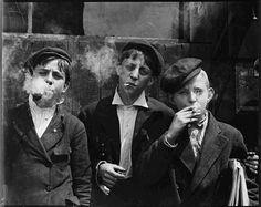 Disonancias: De peur que vienne l'oubli II - Child Labor by Lewis Wickes Hine