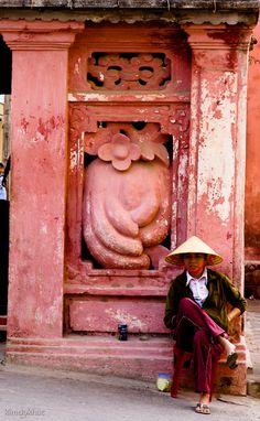 Hoi An, Vietnam Le Vietnam, Vietnam Tours, Vietnam Travel, Con Dao, Hoi An, Beautiful Vietnam, Vietnam History, Indochine, Red Walls