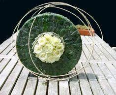 Resultado de imagen para arreglos florales creativos abstractos