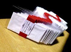 VEJA MAIS MODELOS DE LAYOUT NO ÁLBUM DA LINHA PAPELARIA.  Lágrimas de ALEGRIA.  Realizado para o casamento do noivo Glauco de Orleans - SC.  A embalagem com tag acompanha 1 lencinho triplo de papel descartável. Fita de gorgurão: escolha a cor.  Papéis especiais. O modelo de tag das fotos foi confeccionado com um papel liso, sem textura, na cor pérola branca. Solicite a lista de papéis disponíveis para impressão no ato do seu pedido. Ou nos informe o seu papel desejado, que realizaremos a…