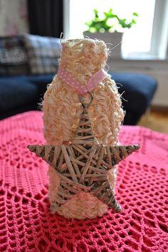 Waterflesje, met een gehaakt flesje van sisal touw! Decoratief!