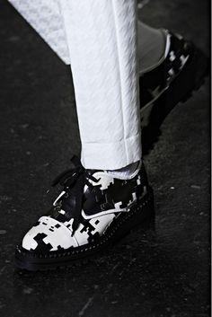Black and white. #2Tonethrills #Zappos