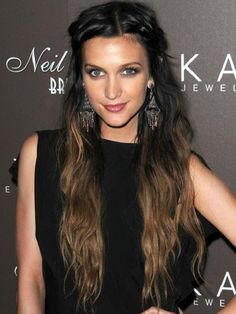 Ashlee Simpson Ombré hair colour http://beautyeditor.ca/2010/09/21/why-yes-it-is-possible-to-do-your-own-ombre-hair-colour-at-home/