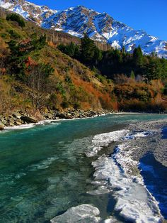 This is the section of the Shotover River (Queenstown, New Zealand) where the jetboats normally operate.      However, after a cold snap for the last 2 weeks, there has been a build up of ice on the shores and ice floes coming downstream which cause a lot of damage to a jetboat intake.