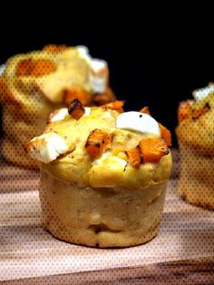 Muffins Butternut Féta – Free The Pickle A recipe for salted butternut squash and feta muffins! A real vegetarian treat. Vegetarian Appetizers, Yummy Appetizers, Appetizer Recipes, Dinner Recipes, Whole Foods, Whole Food Recipes, Cooking Recipes, Feta, How To Cook Squash