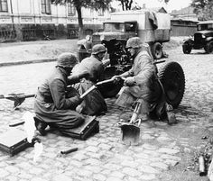 Garrison of a 3,7-cm-PaK 36 belonging 1. SS-Panzer-Division 'Leibstandarte-SS Adolf Hitler' in combat against Soviet forces in the streets of Mariupol, port city in southeastern of Ukraine. October 1941