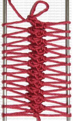 2 hairpin lace stitches  dos puntos bajos tomando el lado de adelante del bucle