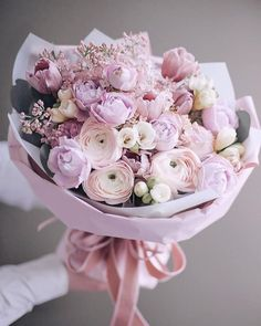 Image in Bouquets , blooms, flowers 💐 collection by ℓυηα мι αηgєℓ ♡ Boquette Flowers, Beautiful Bouquet Of Flowers, Luxury Flowers, Little Flowers, Flower Boxes, Fresh Flowers, Beautiful Flowers, Planting Flowers, Floral Bouquets