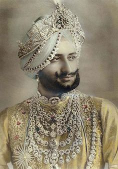 Maharaja Yadvinder Singh (of 1 of  Royal Houses Of Punjab) wearing the Cartier designed patiala necklace among his finery