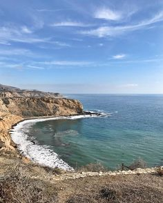 Went hiking in a place called Palos Verdes. It wasn't very verdes but there were lots of pretty beiges and aquas to make up for it. #californiadrought #thirstybaby #prettyanyway
