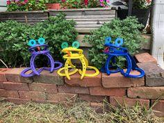 Welding Crafts, Welding Art Projects, Metal Art Projects, Horseshoe Projects, Horseshoe Crafts, Horseshoe Art, Flower Pot Art, Flower Pots, Flowers