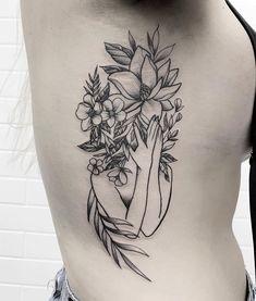 Tattoo created by tattoo artist Ricardo Garcia (ricardogarciatattoo) from Londrina, . Dreieckiges Tattoos, Head Tattoos, Cover Up Tattoos, Mini Tattoos, Body Art Tattoos, Tatoos, Back Tattoo Women, Tattoos For Women, Floral Back Tattoos