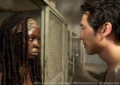 Michonne (Danai Gurira) and Glenn Rhee (Steven Yeun) in Episode 10 of The Walking Dead