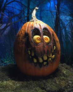 Frighteningly Cute Pumpkin Sculptures by Villafane Studios