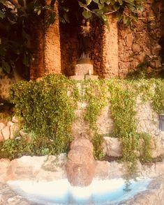 Real santuario de sant José #barcelona #spain #catalunya #santjosep #fontana #amazingart #barcelonagram #igerbarcelona #jardin #⛲️