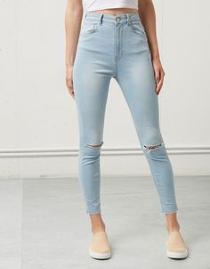 Jeans Bershka tiro alto - Jeans - Bershka España Ripped Denim, Denim Pants, Skinny Jeans, Teen Fashion, Fashion Outfits, Womens Fashion, Girls Jeans, Mom Jeans, Looks Jeans