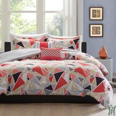 Shop for Intelligent Design Alicia Pink Geometric Duvet Cover Set. Get free delivery On EVERYTHING* Overstock - Your Online Fashion Bedding Store! Pink Comforter Sets, Modern Comforter Sets, Modern Duvet Covers, Duvet Sets, Duvet Cover Sets, Bed Sets, Dorm Comforters, Intelligent Design, Girls Bedroom