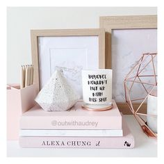 trendy diy room desk decor home office Studio Decor, Deco Studio, Deco Pastel, Rose Gold Rooms, Deco Rose, Room Goals, Deco Design, Design Design, Home And Deco