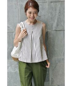 striped top with box pleat at front