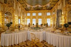 Large dining room with Marzipan display in Catherine's Palace, St. Petersburg