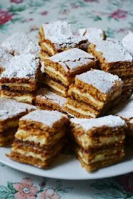 cand a trebuit sa il p Romanian Desserts, Romanian Food, Cookie Recipes, Dessert Recipes, Special Recipes, Sweet Cakes, Yummy Cakes, Just Desserts, Smoothie Recipes