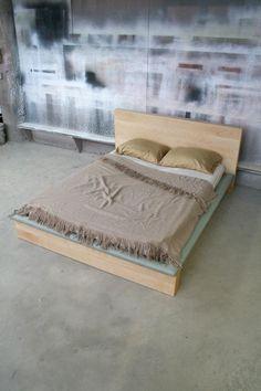 shimna walnut deacons bench w/ red velvet upholstery & three, Badezimmer