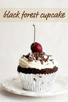 YUMMY corner: Black Forest Cake and Cupcakes