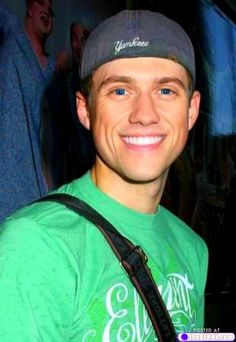 Aaron Tveit, that voice, that jaw, that smile, those eyes... LOVE