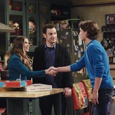 girl meets world brother and sister Learn about sabrina carpenter: her as maya hart on the disney channel series girl meets world shannon and sarah as well as a half-sister named.