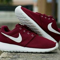 In search for these in a 6.5 womens, please tag anyone who has these.