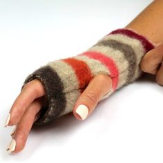 Testing Fit, How to Make Felt Fingerless Gloves Sweater Mittens, Fingerless Mittens, Knitted Gloves, Knitting Stitches, Knitting Patterns, Sewing Patterns, Felted Wool Crafts, Recycled Sweaters, Sewing Crafts