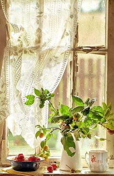 Country Window by Ana Rosa Cozy Cottage, Cottage Style, Coastal Cottage, Farmhouse Style, Red Cottage, Romantic Cottage, Romantic Homes, Vibeke Design, Lace Curtains