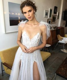 """2,804 curtidas, 7 comentários - Belle & Tulle Bridal (@belleandtulle) no Instagram: """"Sneak Peek! Behind the scenes at MUSE 2018 Bridal Collection by BERTA! Stay tuned for more coming…"""""""