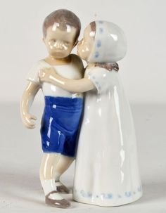 ROYAL COPENHAGEN BING AND GRONDAHL FIGURINE 'LOVE REFUSED' #1614 PLAYFUL
