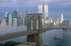 Brooklyn Bridge (New York - United States) World Trade Center Buildings, World Trade Center Nyc, Trade Centre, Ponte Do Brooklyn, Brooklyn Bridge New York, 11 September 2001, Remembering September 11th, Parque Natural, Us History