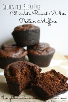 Chocolate Peanut Butter Protein Muffins - INCREDIBLE and only took 5 minutes to prepare! Maybe we can make these in our healthy desserts cooking class? Protein Desserts, Chocolate Protein Muffins, 13 Desserts, Healthy Protein Snacks, Chocolate Protein Powder, Healthy Muffins, Protein Foods, Healthy Sweets, Gluten Free Desserts