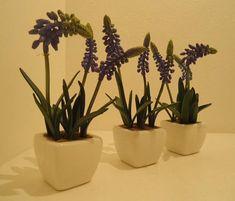Mini vaso de Alfazema siliconada,vasos de porcelana .Lindos para seu lavabo ,batente de janelas,estantes...... R$ 25,98