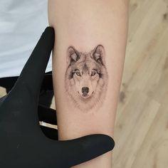 True canvas thommesen ink realism realistisches tattoo wolf tattoo wolf fineline tattoo single needle tattoo zartes tattoo tiny tattoo small tattoo black and grey tattoo tattoo vienna tattoo wien tattoo ideen mnner Wolf Face Tattoo, Wolf Girl Tattoos, Husky Tattoo, Wolf Tattoos For Women, Small Wolf Tattoo, Tattoos For Women Small, Cute Tattoos, Body Art Tattoos, Sleeve Tattoos