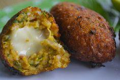 Ser Vegana: Quibe de abóbora com recheio de queijo vegetal cas...