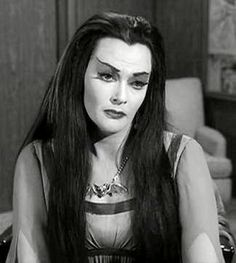always thought Yvonne De Carlo was so so pretty. Love the Munsters. The Munsters Today, Munsters Tv Show, Munsters Car, Yvonne De Carlo, Dracula, Los Addams, Lily Munster, Horror House, Girls Rules