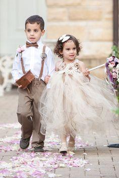 A floral-filled outdoor wedding at The Patrick C. Haley Mansion | Jennifer Kathryn Photography: http://www.jenniferkathryn.com