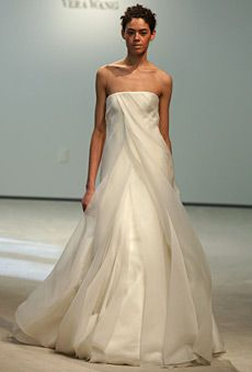 Vera Wang : Wedding Dresses Gallery - Page 11 : Runway : Brides Wedding Dress Gallery, Wedding Dresses Photos, Wedding Dress Styles, Designer Wedding Dresses, Wedding Gowns, Perfect Wedding Dress, One Shoulder Wedding Dress, Wedding Dress Shopping, Beautiful Gowns